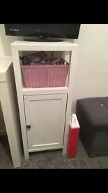 White cupboard /unit
