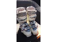 Ladies ski boot