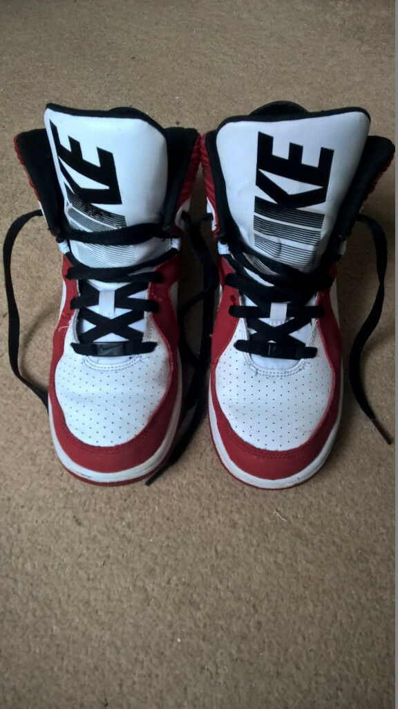 5f8bc328eec Nike high top basketball shoes trainers UK size 5.5 (38.5)