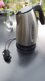 Kettle - Silver / Stainless Steel / with base unit
