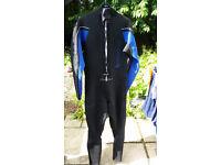 Men's Wetsuit (Large)