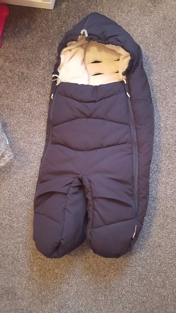 stokke footmuff in navy excellent condition