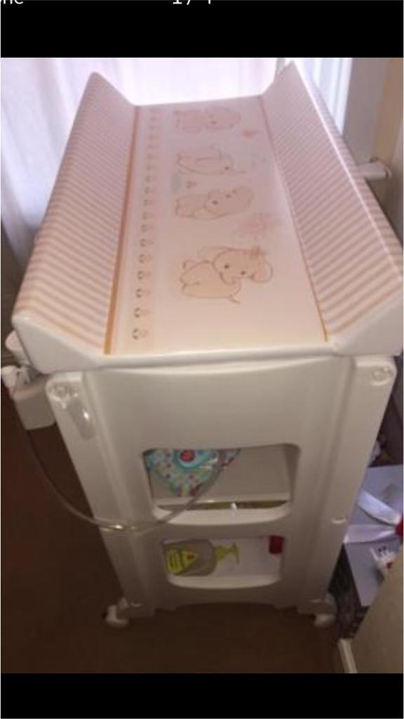 Baby changing unitin Leicester, LeicestershireGumtree - Baby changing and bath unit to sell as Im moving abroad. Perfect conditions, only used for 3 months