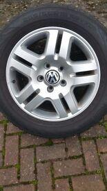 Volkswagen Tuareg alloy wheels with Nokian part worn winter tyres £400