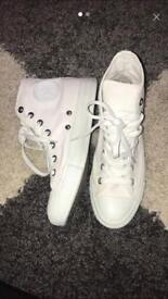 White Converse Size 5 NEVER WORN