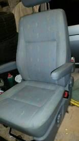 Vw t5 captain seat