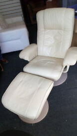 BEAUTIFUL CREAM LEATHER CHAIR WITH MATCHING FOOT STOOL THE CHAIR RECLINES AND SWIVELS FOR COMFORT