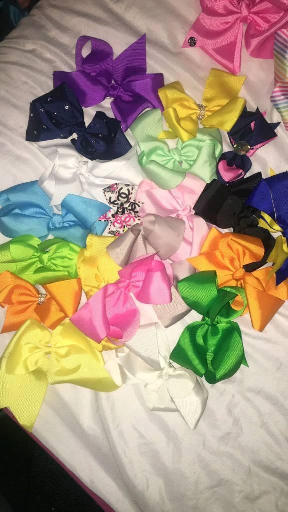 20 medium sized girls bows