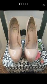 Miss KG NUDE court shoes size 5/38