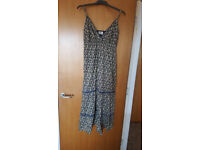 Lovely ladies blue flower print maxi dress by bhs. Only £1!