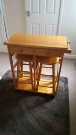 Breakfast bar x 2 stools