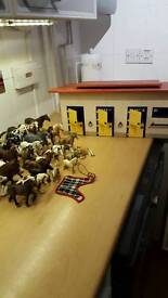Schleich horse stable and horses