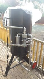Large Shot blasting pot with 10m of brand new blast hose and nozzle