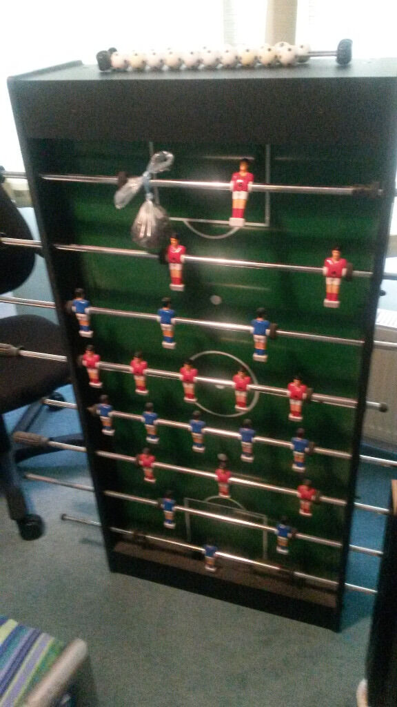 Football Tablein Thames Ditton, SurreyGumtree - Football table. Very good condition, easy assembly, legs just need bolting back on. hardly used. Thames Ditton