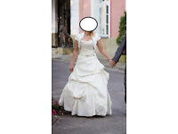 Wedding dress in size 8/10. Champagne colour. BARGAIN!!!
