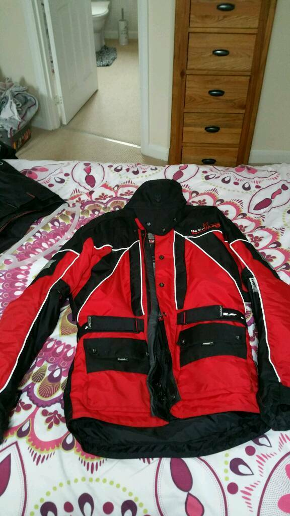 Wolf textile jacket