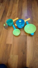 Early learning saucepan set.