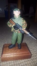 udr army statue ornament wood