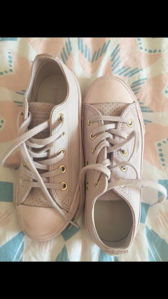 7c09435daa1a17 Size 12 girls pink leather converse