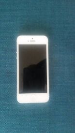IPHONE 5 16G / WHITE / VERY CLEAN / EXCELLENT CONDITION