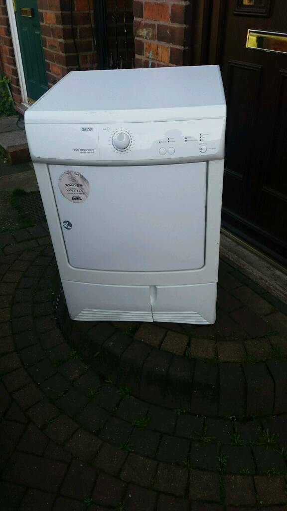 Zanussi zdc37200w condenser dryer 7kg Vic working order