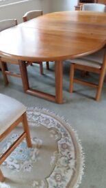 High quality extending Dining table and chairs