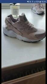 Nike huarache junior trainers size 5