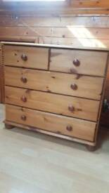 Olden Style Chest of Drawers