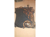 T-shirt gold and black