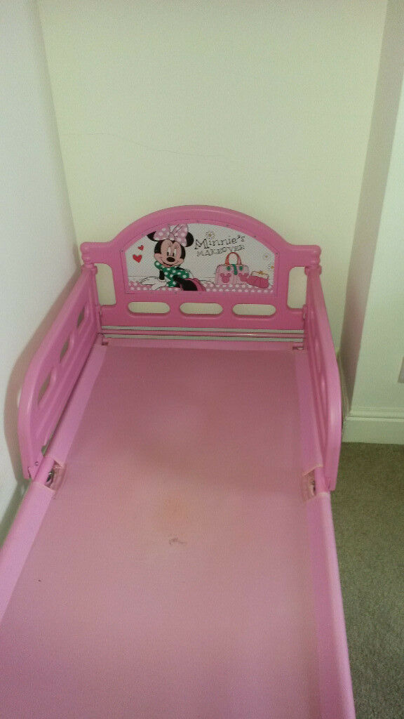smyths minnie mouse toddler bed in whitchurch cardiff. Black Bedroom Furniture Sets. Home Design Ideas