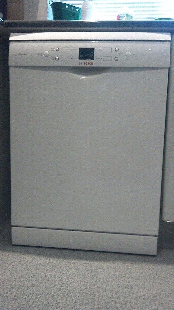 Bosch classixx dishwasher 2 years old. CROYDON