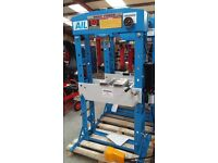Howden 50 Ton Air Hydraulic Press