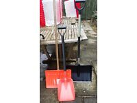 3 x leaf/snow shovels in good condition