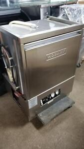 HOBART UNDER COUNTER HIGH TEMPERATURE DISHWASHER ( MINT CONDITION )