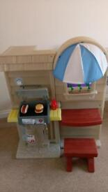 Little Tikes Inside/Outside Play BBQ Kitchen