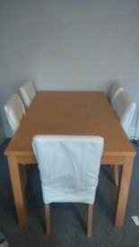 Very sturdy dining table and chairs x6