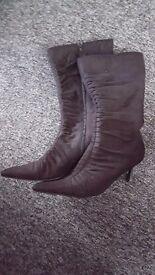 Lodies boots size 7