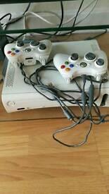 60gb Xbox 360 2 controllers FIFA 16