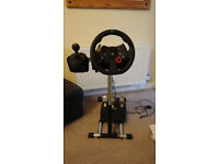 Logitech G29 Driving Force Racing Wheel, Pedals and Wheel Stand Pro. Deluxe v2