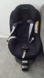 Maxi-cosi 2 way pearl car seat & 2 way fix base