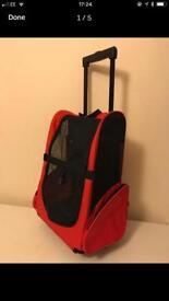 Wheeled pet carrier rucksack