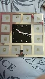 Wall pic clock