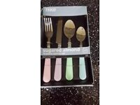 Tesco cutlery set 16 Piece. Brand new never been used. I have 2 of them £6 each or 2 for £ 10.
