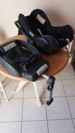 Maxi Cosi Cabriofix baby car seat and EasyBase