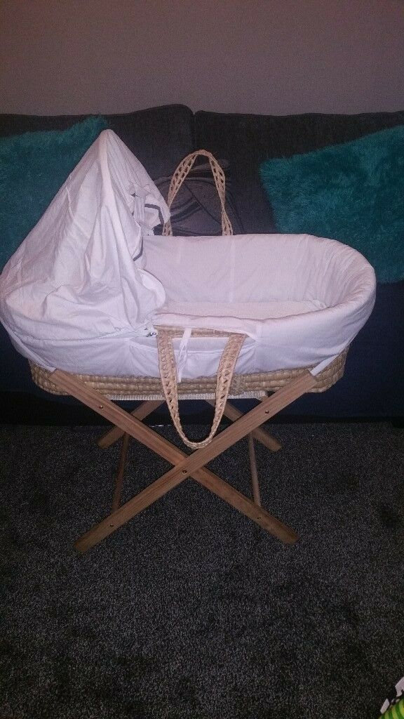 Mosses basket and stand. Hardly used