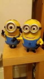 2 Minions Dave & Stuart