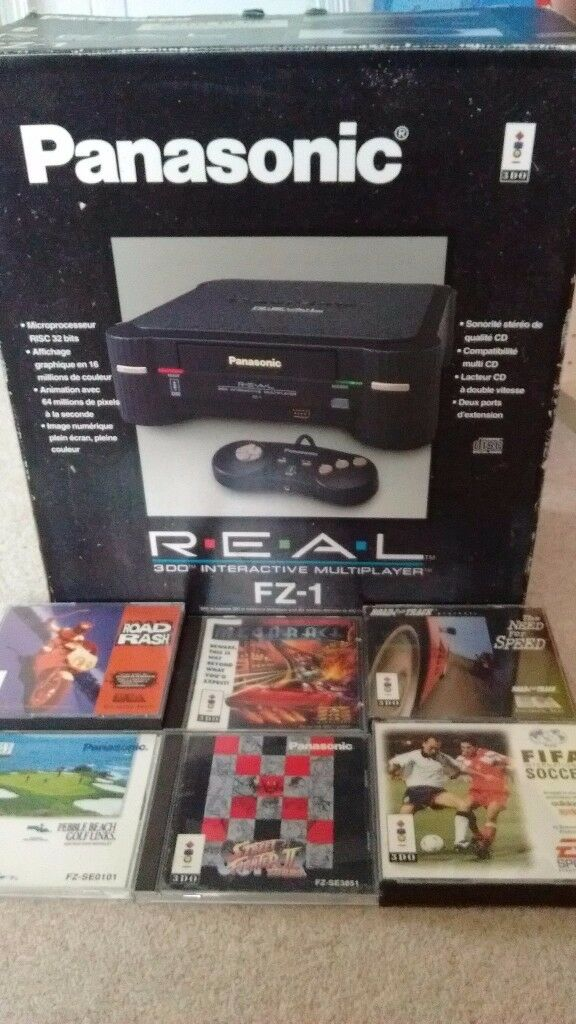 Panasonic 3DO faulty boxed console, 6 games, 3 controllers and cables.