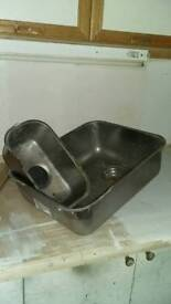 Sink bowl and a half