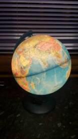 Globe with light inside! In used condition Can help students learn geography!Can deliver or Post!