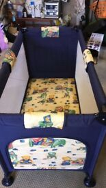 Travel cot perfect condition like new